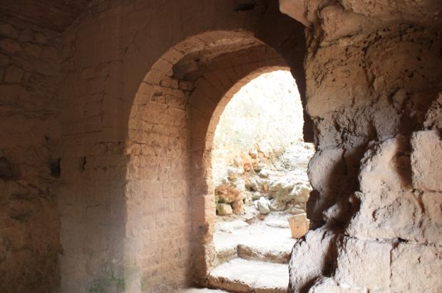 Interior de la Torre del Mig (Castell de Dénia). Època Taifa.