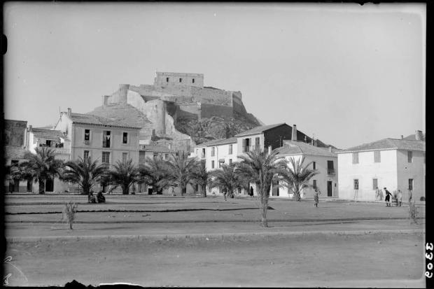 LOTY-08264_P castell des de explanada