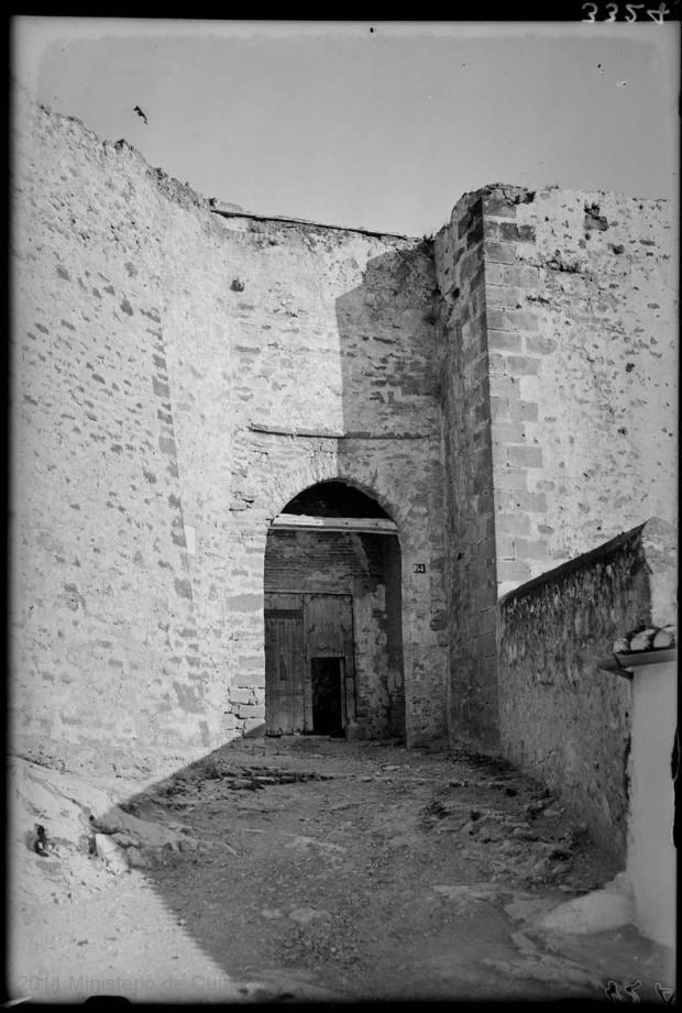 LOTY-08279_P porta castell