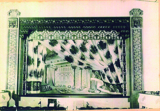 L'espectacular teló del Teatro Circo (Arxiu M. Crespo).