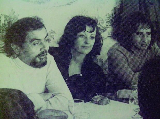 Vicent Balaguer i Ovidi Montllor dinant al Palmar. (Font: l'Ovidi de Nuria Cadenes. Ed 3i4).